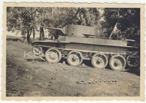 БТ-5 - лёгкий колесно-гусеничный танк BGivn