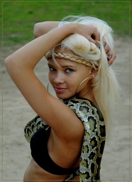 http://s8.uploads.ru/t/ykABw.jpg