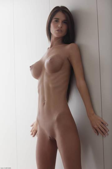 http://s8.uploads.ru/t/mvOfw.jpg